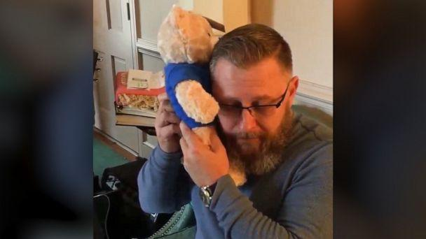 VIDEO: Dad hears son's heartbeat in Build-A-Bear from organ recipient (ABCNews.com)