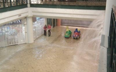 Last weekend's downpour saw the basement of Tanglin Mall flooded (Photo from @onglette)