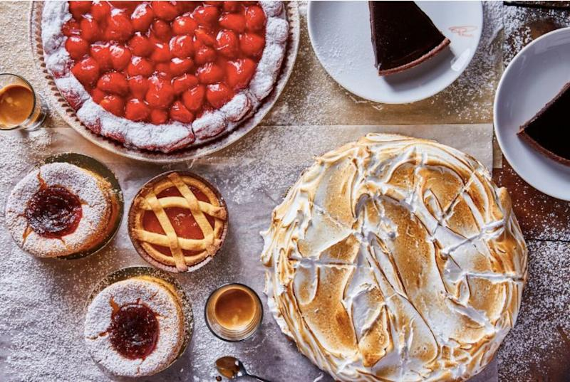 "<a href=""http://ricette.giallozafferano.it/Crostata-di-fragole-fresche.html"" target=""_blank"">Crostata fragola</a>, a strawberry tart, <a href=""https://news.starbucks.com/press-releases/starbucks-brings-italian-princi-bakery-to-seattle-roastery"" target=""_blank"">is a highlight</a> of the dessert menu."