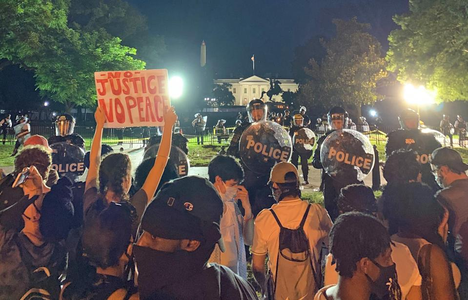 Police block protesters in front of the White House on May 30, 2020. (Lauren Egan / NBC News)