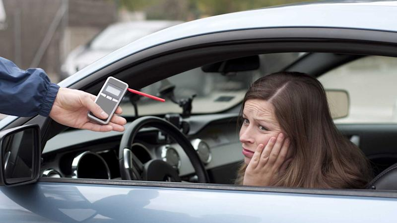 Driver reluctant to take breathalyser test from police