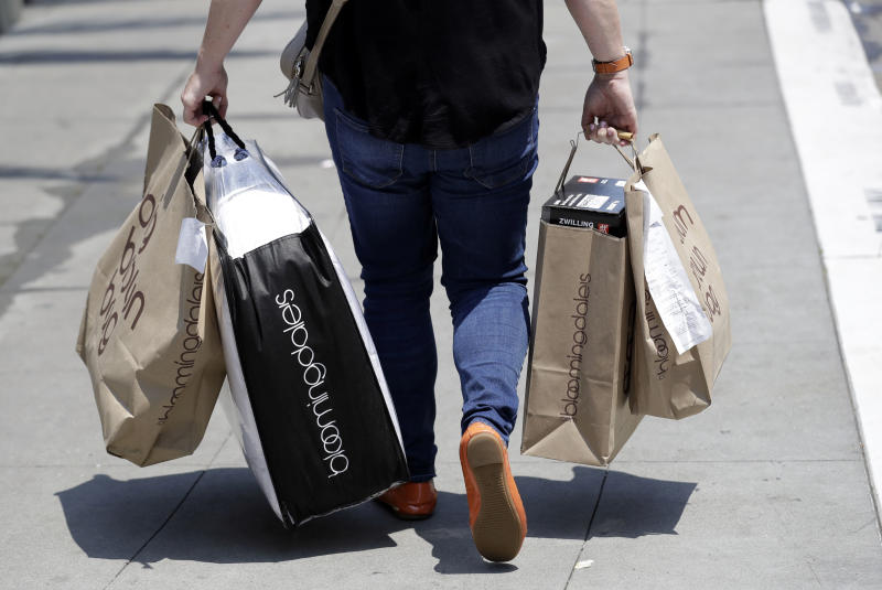 US retail sales rise at a healthy 0.5 percent pace in June