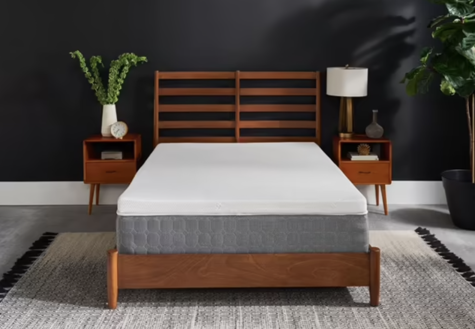 """<p><strong>Tempur-Pedic</strong></p><p><strong>$239.40</strong></p><p><a href=""""https://go.redirectingat.com?id=74968X1596630&url=https%3A%2F%2Fwww.tempurpedic.com%2Fother-products%2Ftempur-topper-supreme%2Fv%2F288%2F&sref=https%3A%2F%2Fwww.housebeautiful.com%2Fshopping%2Fhome-accessories%2Fg37129584%2Fbest-mattress-toppers%2F"""" rel=""""nofollow noopener"""" target=""""_blank"""" data-ylk=""""slk:BUY NOW"""" class=""""link rapid-noclick-resp"""">BUY NOW</a></p><p>This 3-inch memory foam topper adjusts to your weight, shape, and temperature for personalized sleeping support. The cover is removable, washable, dust mite-resistant, <em>and</em> allergen-resistant. Not to mention, the topper is designed to keep its shape for years and comes with a 10-year warranty.<br></p>"""