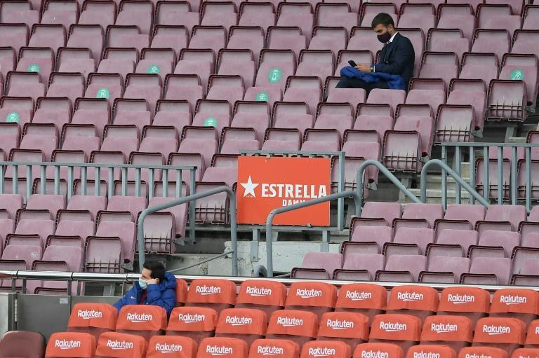 Messi given a rest by Koeman