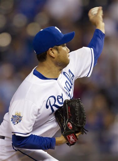 Kansas City Royals starting pitcher Bruce Chen works against a Detroit Tigers batter during the first inning of a baseball game at Kauffman Stadium in Kansas City, Mo., Monday, Oct. 1, 2012. (AP Photo/Orlin Wagner)