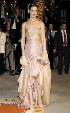 Actress Katie Holmes arrives for the Vanity Fair Oscar Party at Mortons in West Hollywood February 25, 2007.