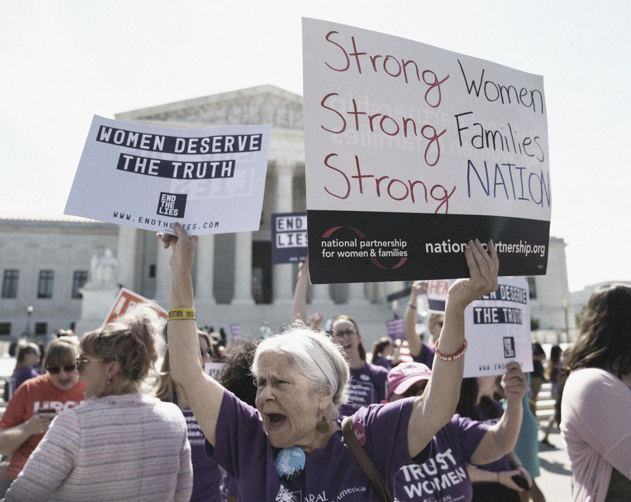 Protesters outside the Supreme Court building in Washington, June 26, 2018. (Photo: Carolyn Kaster/AP)