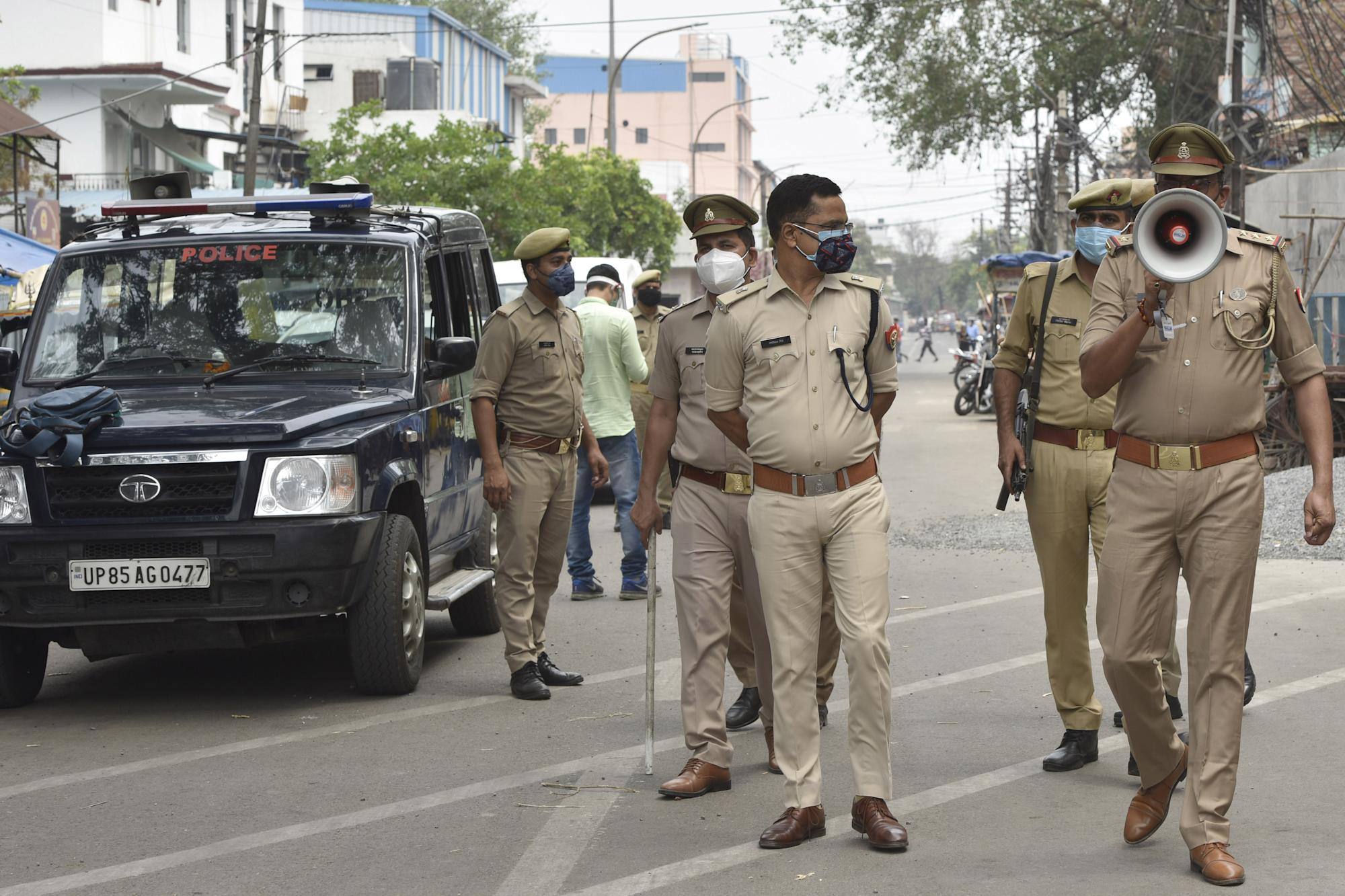 LIVE: India sees record 4,01,078 new cases, 4,187 deaths