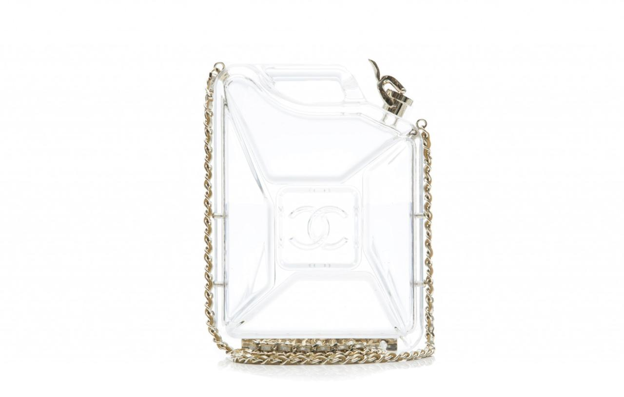 "<div><a rel=""nofollow"" href=""http://frontrow.uk.com/bags/chanel-907"">£140 for 5 days</a> </div>"