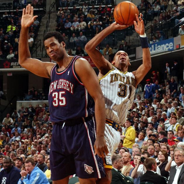 792ccedbd84f The NBA creates a  Reggie Miller rule  in order to punish shooters  attempting to kick defenders