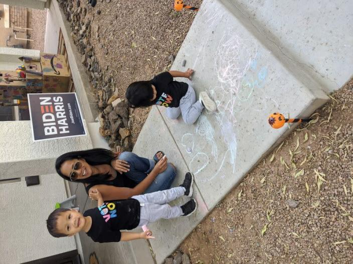 Marianne Herricht poses with her twins in Gilbert, Arizona