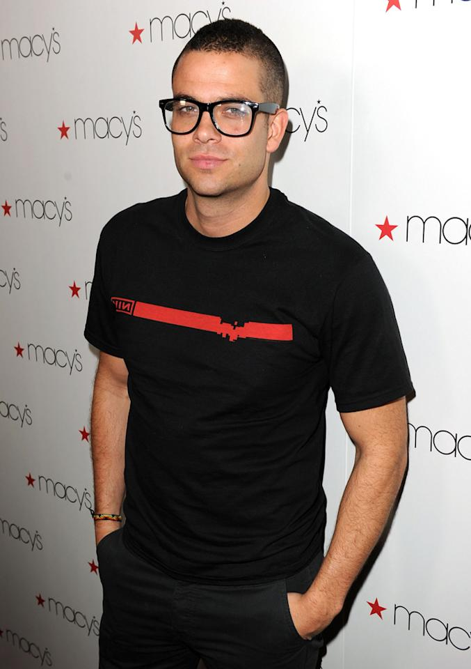 """Glee's"" Mark Salling arrived bespectacled and dressed-down to check out the latest designs from Tommy Hilfiger, Marc by Marc Jacobs, Tracy Reese, and more. Kevin Winter/<a href=""http://www.gettyimages.com/"" target=""new"">GettyImages.com</a> - September 16, 2010"
