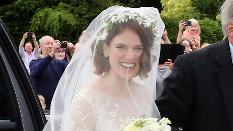 Kit Harington Wedding.Rose Leslie Married Kit Harington In A 20 000 Wedding Dress