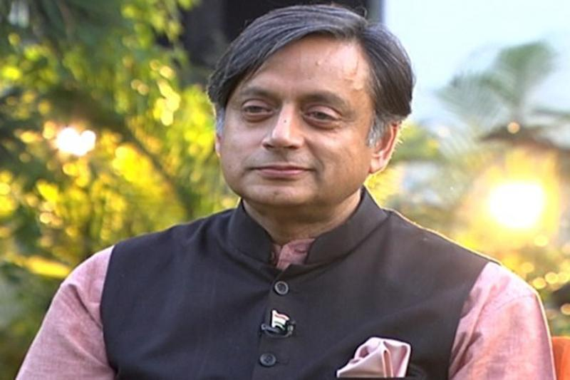 Tharoor - Sushma War of Words Over Hindi at UN