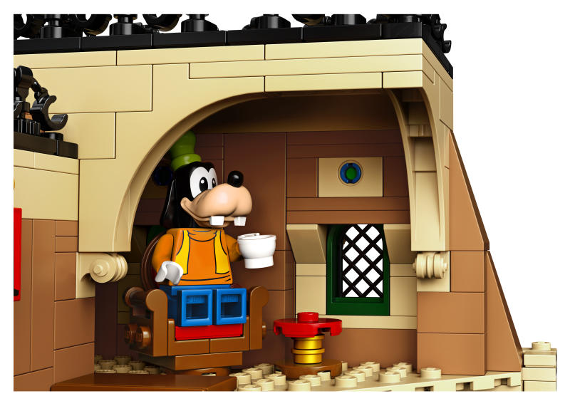 Goofy awaits his train at the latest Disney Lego set. (Photo: Lego)