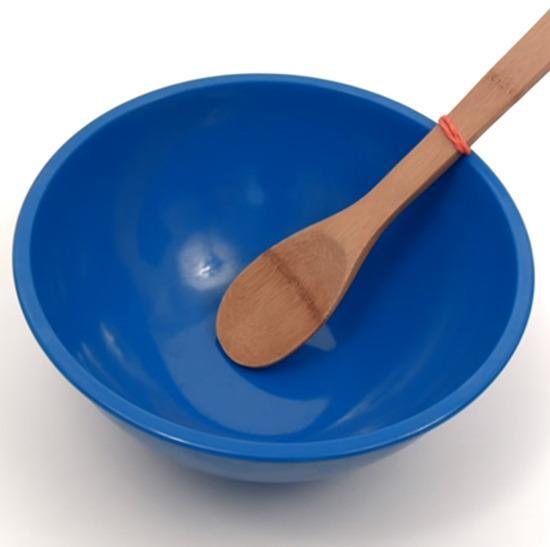 Tie a rubber band around your spoon or spatula to prevent it from slipping into your bowl or pot while cooking.