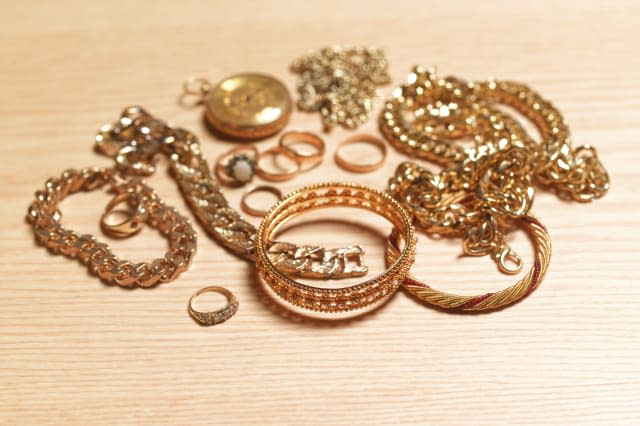 Gold jewellery for recycling