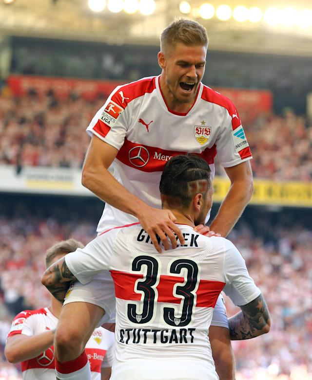 Football Soccer - VfB Stuttgart v Wurzburger Kickers - 2. Bundesliga - Mercedes-Benz Arena, Stuttgart, Germany - 21/5/17 VfB Stuttgart's Simon Terodde celebrates scoring their second goal Daniel Ginczek Reuters / Kai Pfaffenbach Livepic DFL RULES TO LIMIT THE ONLINE USAGE DURING MATCH TIME TO 15 PICTURES PER GAME. IMAGE SEQUENCES TO SIMULATE VIDEO IS NOT ALLOWED AT ANY TIME. FOR FURTHER QUERIES PLEASE CONTACT DFL DIRECTLY AT + 49 69 650050.