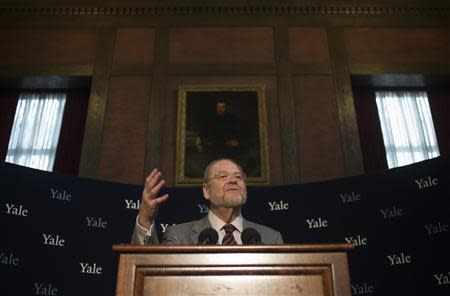 Yale University Professor James Rothman, 62, the co-awardee of the 2013 Nobel Prize for Medicine, speaks at a news conference at Yale University in New Haven, Connecticut October 7, 2013. REUTERS/Adrees Latif