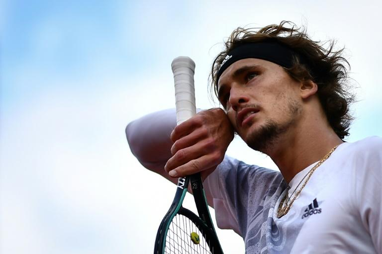 'Sick, can't breathe': Zverev out of Roland Garros in match 'shouldn't have played'
