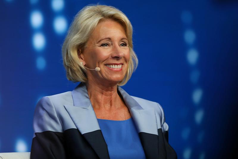 Betsy Devos Nomination Chilling >> Betsy Devos Compares School Choice Critics To Flat Earthers