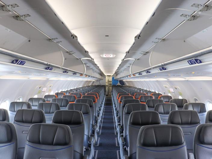 Flying JetBlue Airways Airbus A320 New Phase 2 Interior