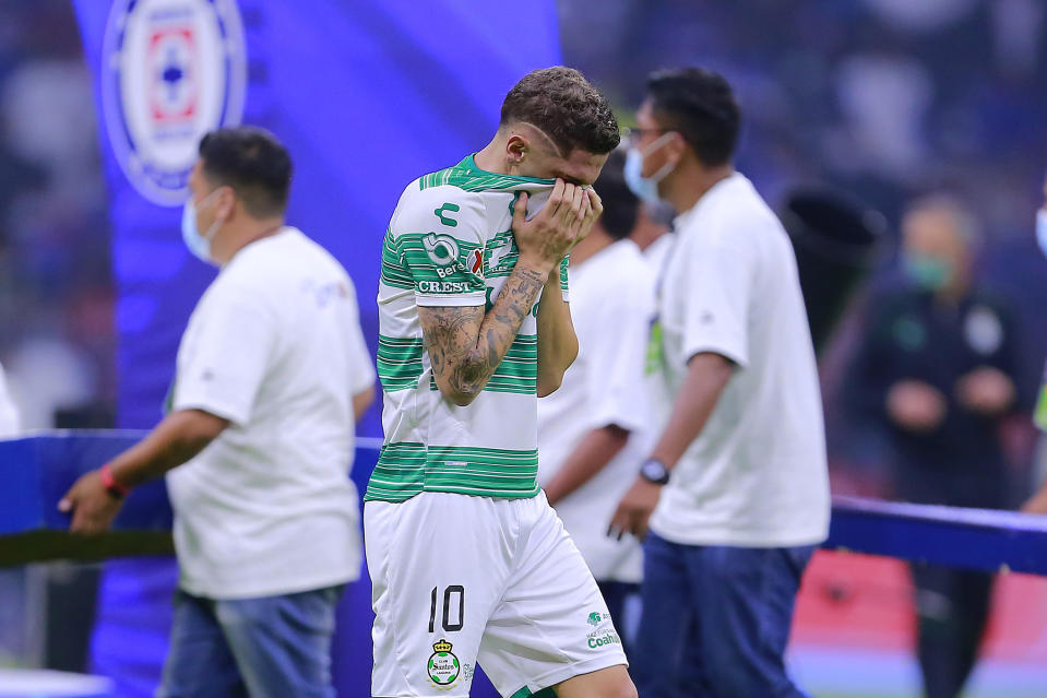 MEXICO CITY, MEXICO - MAY 30: Diego Valdes of Santos reacts after losing the Final second leg match between Cruz Azul and Santos Laguna as part of Torneo Guard1anes 2021 Liga MX at Azteca Stadium on May 30, 2021 in Mexico City, Mexico. (Photo by Mauricio Salas/Jam Media/Getty Images)