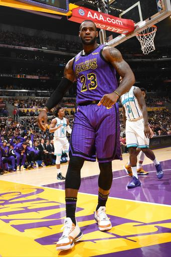 bc70324bd2e LeBron James to sit out last 6 games of Lakers  season