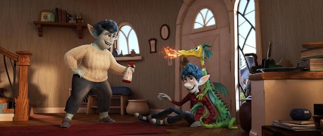 Ian Lightfoot's mum (Julia Louis-Dreyfus) has his back even when his hyperactive pet dragon, Blazey, is misbehaving. (©2019 Disney/Pixar. All Rights Reserved.)