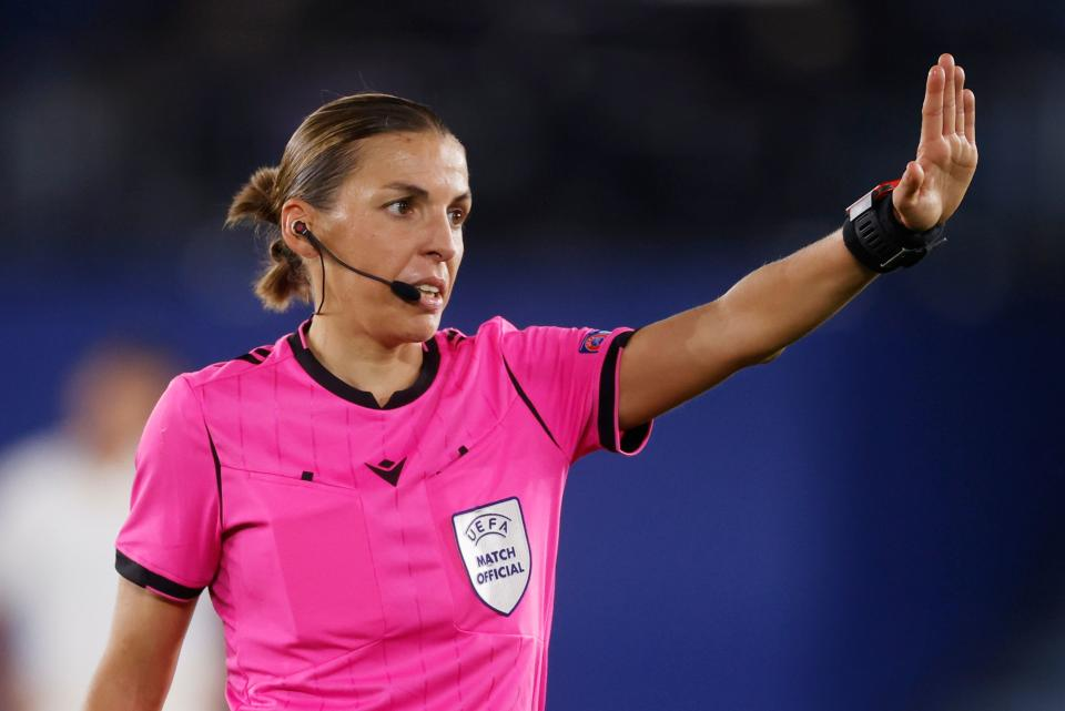 Soccer Football - Europa League - Group G - Leicester City v FC Zorya Luhansk - King Power Stadium, Leicester, Britain - October 22, 2020 Referee Stephanie Frappart during the match REUTERS/Phil Noble