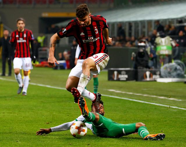 Soccer Football - Europa League Round of 32 Second Leg - AC Milan vs PFC Ludogorets Razgrad - San Siro, Milan, Italy - February 22, 2018 Ludogorets' Cicinho in action with AC Milan's Patrick Cutrone REUTERS/Tony Gentile