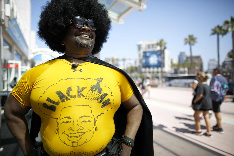 """<p>Chris Fraley dresses as a character he calls """"Blackman"""" at Comic-Con International on July 19, 2018, in San Diego. (Photo: Gregory Bull/AP) </p>"""