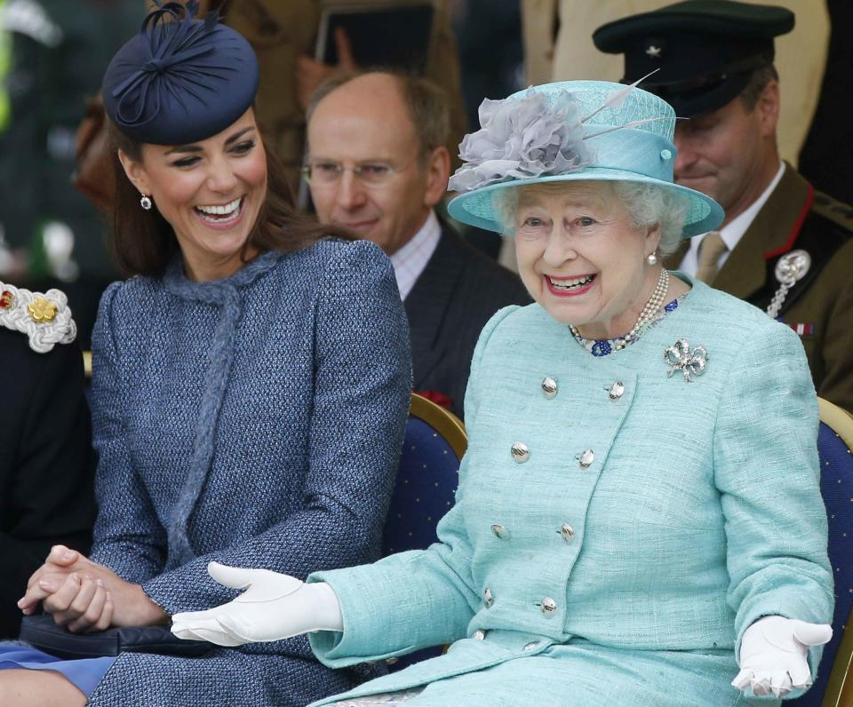 It seems our Queenie just likes the simple things in life. [Photo: Getty]