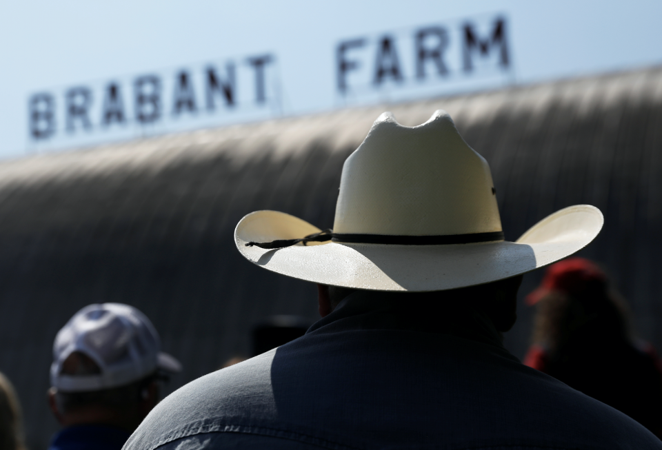 Dairy farmers listen to U.S. Agriculture Secretary Sonny Perdue speech at the Brabant Farms in Verona, New York, U.S., August 23, 2018. Picture taken August 23, 2018. (Photos: REUTERS/Shannon Stapleton)