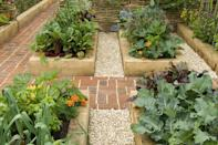 <p>Can't decide how to take your garden to the next level? Embrace a uniform look by sticking with a few pairs of garden beds boasting the same style. </p>