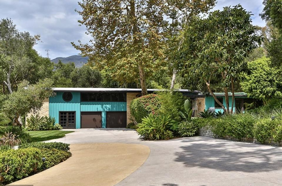 The property includes three bedrooms and a pool. Photo: Australscope.