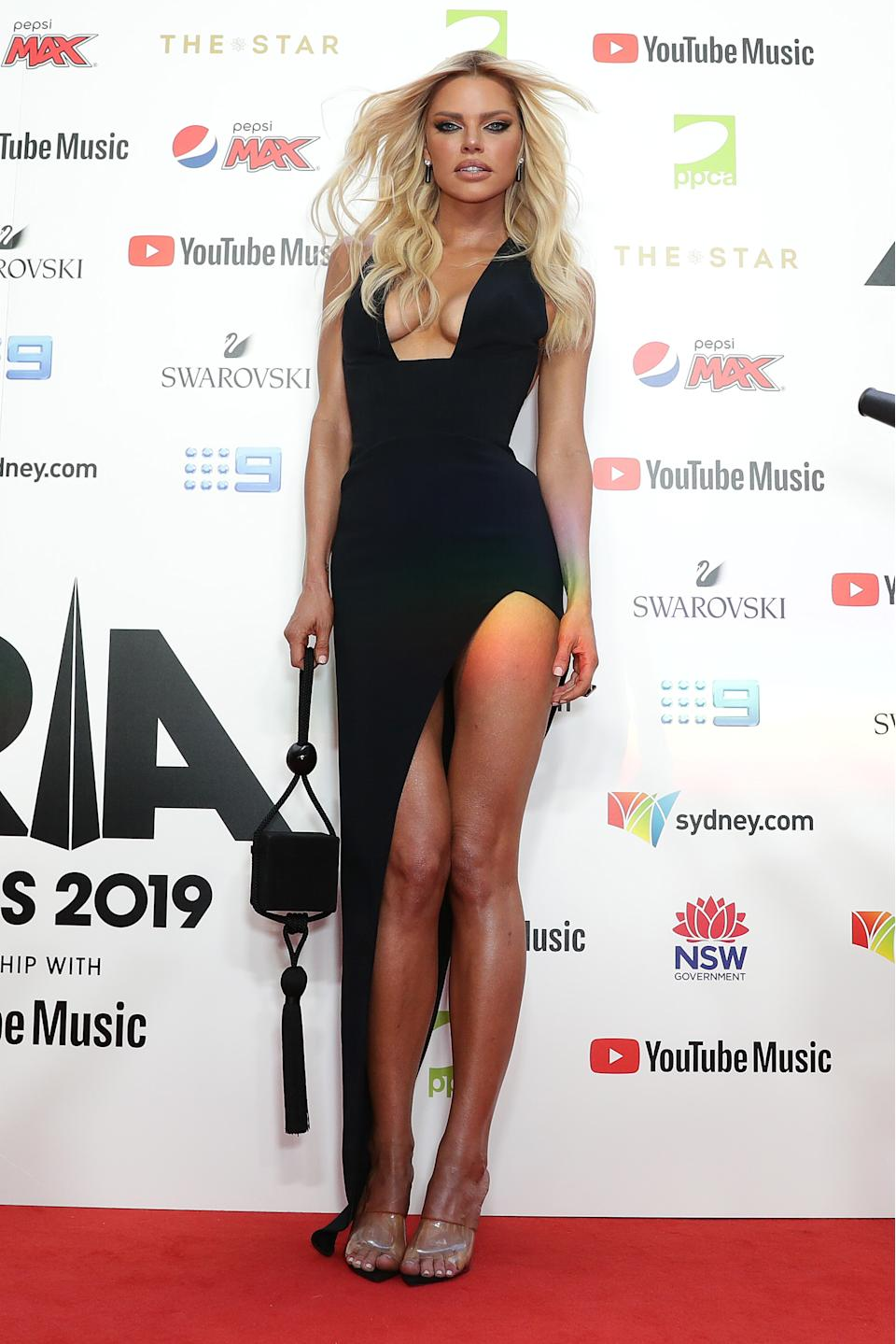 Sophie Monk arrives for the 33rd Annual ARIA Awards 2019 at The Star on November 27, 2019 in Sydney, Australia.