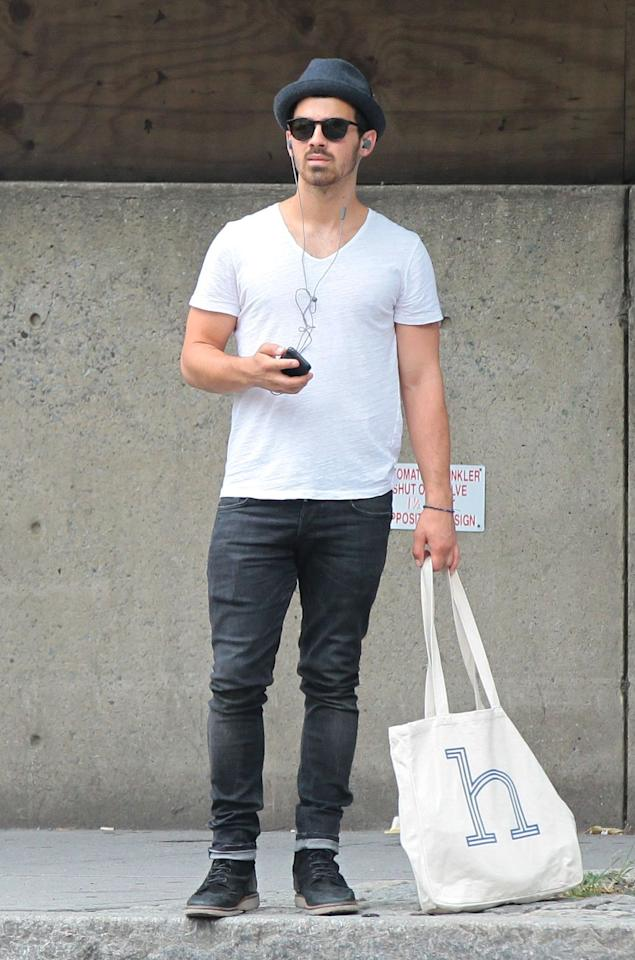 <p>H is for Hot Guy With a Tote.</p>