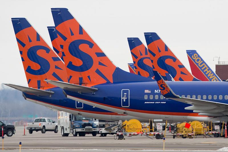 Mom gets apology from Sun Country Airlines after she had to pay $75 to sit with her toddler