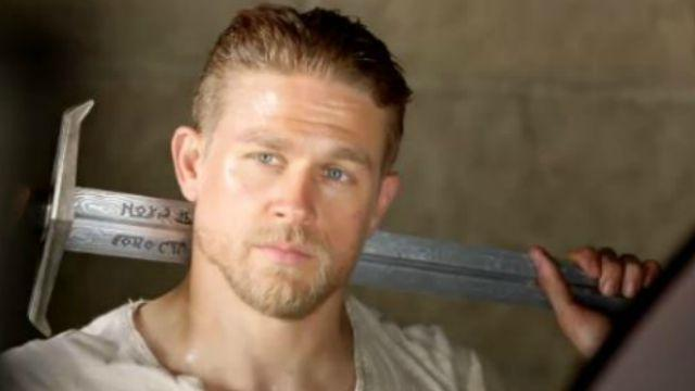 Charlie Hunnam S First King Arthur Photo Is Really Really Hot