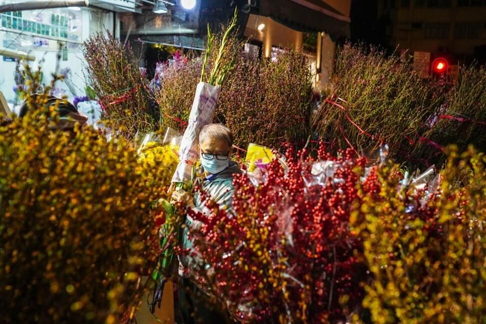 Florists also reported fewer shoppers at the flower market in Mong Kok on Sunday afternoon. Photo: Sam Tsang