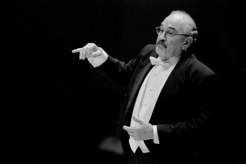 This photo provided by courtesy of Los Angeles Master Chorale shows Music Director Emeritus of the Los Angeles Master Chorale, Paul Salamunovich, conducting the Los Angeles Master Chorale, in Los Angeles. The chorale's publicist, Libby Huebner, says the Grammy-nominated conductor died Thursday, April 3, 2014, of complications related to West Nile virus. He was 86. (AP Photo/Los Angeles Master Chorale)