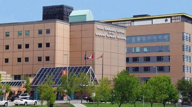 Four people have now tested positive for COVID-19 in an outbreak at the Peter Lougheed Hospital, pictured, while an outbreak linked to three deaths at the Foothills Hospital continues.  (Government of Alberta - image credit)