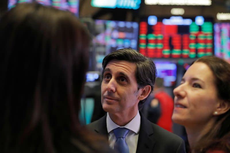 Stocks rally on renewed trade talk optimism, yields rise