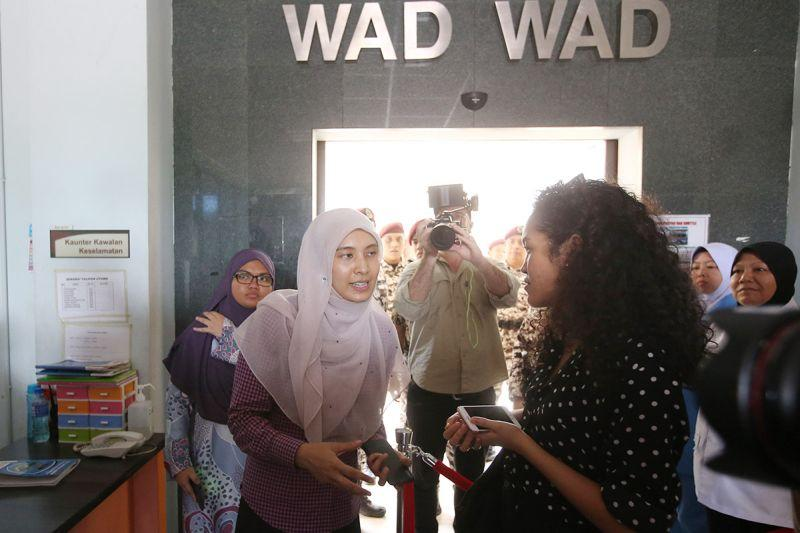 Nurul Izzah Anwar speaks to a reporter at the Hospital Rehabilitasi Cheras today