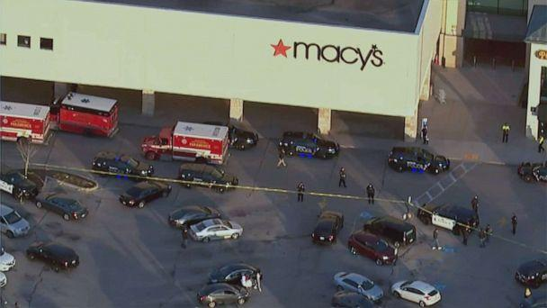 PHOTO: Police and ambulance crews respond to reports of a shooting at Mayfair Mall in Wauwatosa, Wisc., Nov. 20, 2020. (WISN)