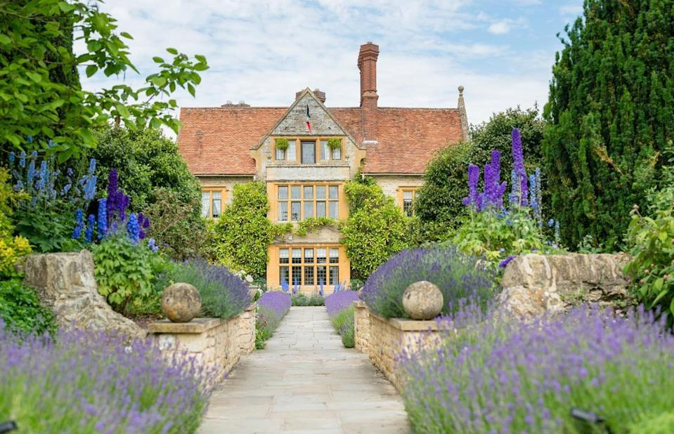 """<p>Indulge in a bucket list-worthy break at this ultra-luxury hotel outside London where foodies will find themselves in gastronomic heaven. Raymond Blanc's Oxfordshire manor is the stuff of fairytales, with exquisite dining served within a honey-hued house arrived at via a lavender-lined path. Go on, treat yourself.</p><p><strong>Distance from London by train:</strong> 45 minutes from London Marylebone to Haddenham & Thame Parkway station. </p><p><a class=""""link rapid-noclick-resp"""" href=""""https://go.redirectingat.com?id=127X1599956&url=https%3A%2F%2Fwww.booking.com%2Fhotel%2Fgb%2Fbelmond-le-manoir-aux-quat-39-saisons.en-gb.html%3Faid%3D2070929%26label%3Dhotels-outside-london&sref=https%3A%2F%2Fwww.redonline.co.uk%2Ftravel%2Finspiration%2Fg34469437%2Fhotels-outside-london%2F"""" rel=""""nofollow noopener"""" target=""""_blank"""" data-ylk=""""slk:CHECK AVAILABILITY"""">CHECK AVAILABILITY</a> </p>"""
