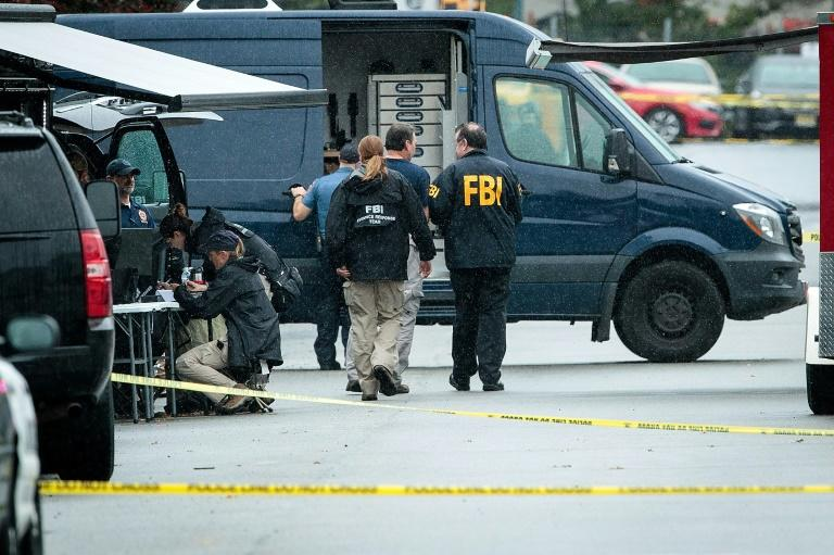 NY bomb suspect violent at home, lived in Pakistan