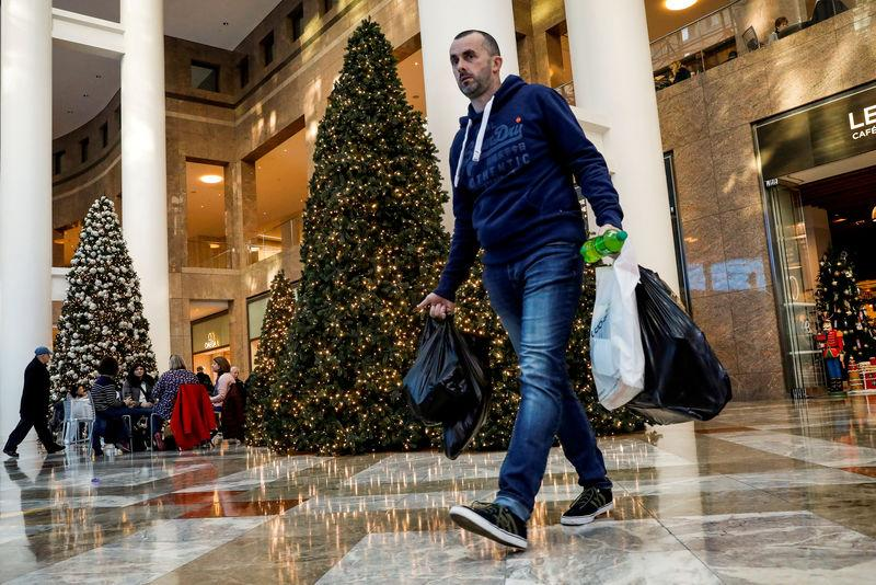 U.S. holiday sales set to break records in surprise boon to retail