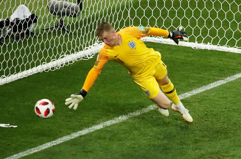 <p>Jordan Pickford just couldn't get down in time to keep it out </p>